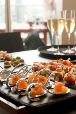 3 lý do bạn nên chọn tiệc finger food 1 3 lý do bạn nên chọn tiệc finger food