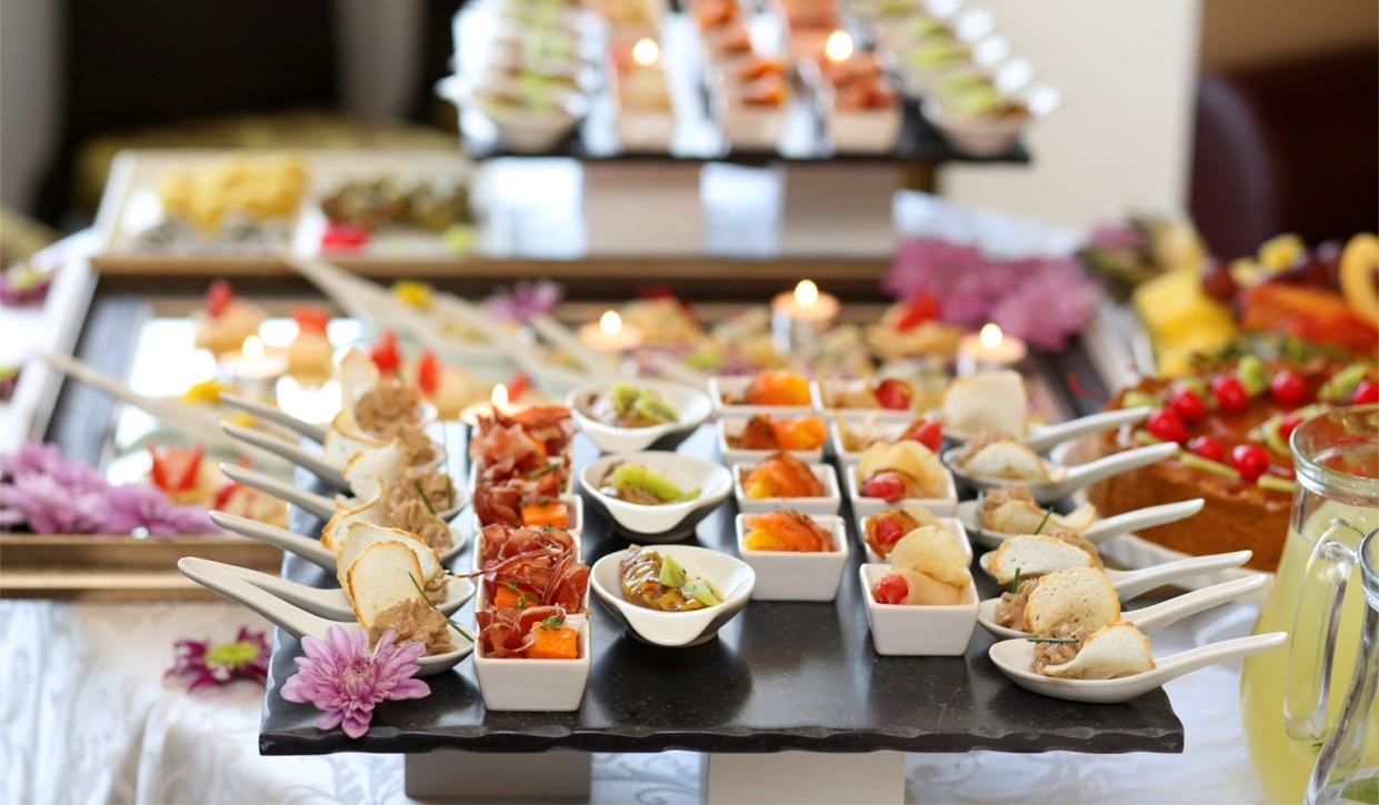 Hướng dẫn đặt tiệc finger food cho buổi họp mặt 1 Hướng dẫn đặt tiệc finger food cho buổi họp mặt