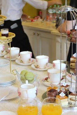 Nên tổ chức tiệc trà như thế nào 1 Có nên làm tiệc buffet tại nhà?