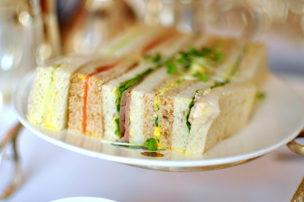 Thực đơn tiệc trà chiều chuẩn Anh Quốc 3 Thực đơn tiệc trà chiều chuẩn Anh Quốc chỉ có tại Top Chef