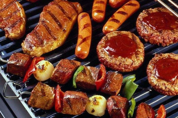 Tiệc BBQ ngoài trời cho mùa lễ hội vui hết nấc 2 Tiệc BBQ ngoài trời cho mùa lễ hội vui hết nấc